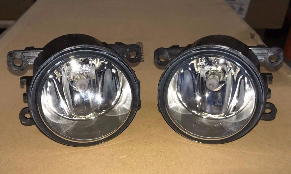 New PAIR Genuine Valeo Renault Megane III Front Fog Lamps Spot Lights 8200074008